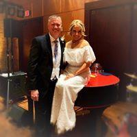 Happy couple on the pianos