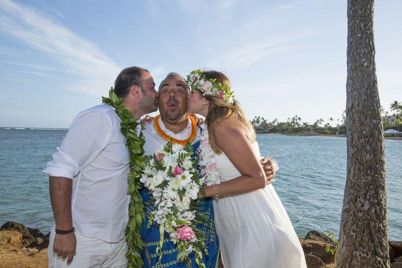 Aeike hawaiian wedding officiant services officiant honolulu 800x800 1415310126739 kiss me junglespirit Gallery