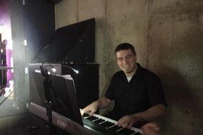 Justin Paschalides Pianist