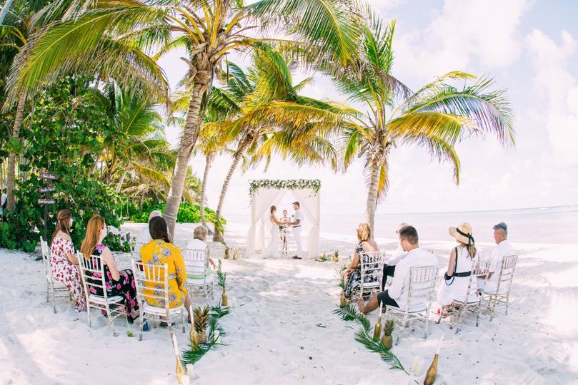 Intimate wedding with 12 guest