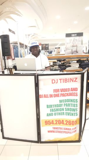 Dj Tibinz @ Event