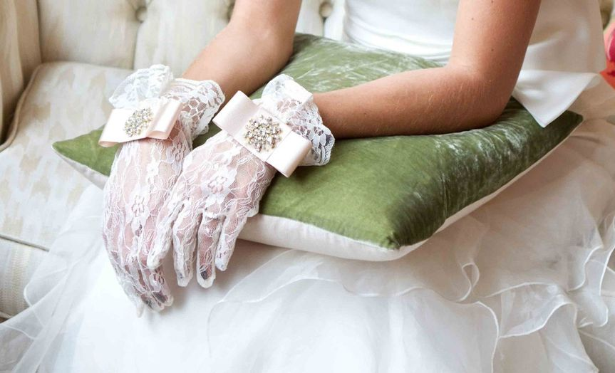 BridalGloves