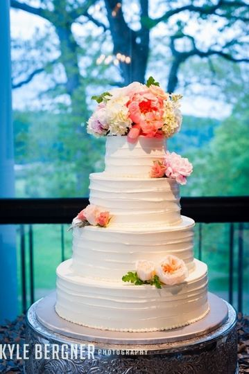 sugarbakers cakes wedding cake catonsville md weddingwire. Black Bedroom Furniture Sets. Home Design Ideas