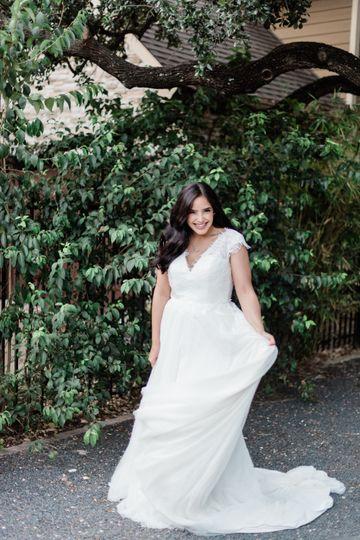 Breezy bridal glamor
