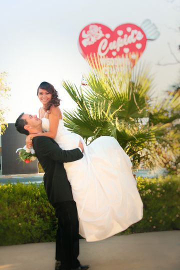 800x800 1489083518918 Las Vegas Romantic Wedding Photo