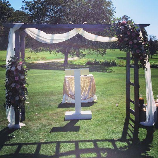 Wedding-arch florals