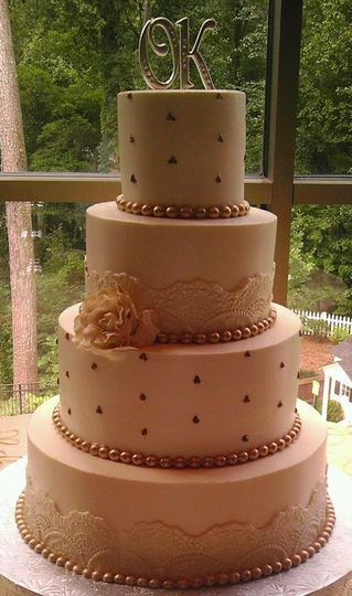 the cake hag wedding cake atlanta ga weddingwire. Black Bedroom Furniture Sets. Home Design Ideas
