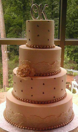the cake hag wedding cake atlanta ga weddingwire. Black Bedroom Furniture Sets. Home Design Ideas