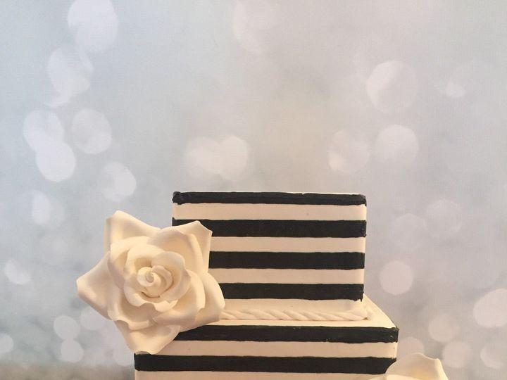 Tmx 1485307129923 Blackwhitewedding Middle Village, New York wedding cake