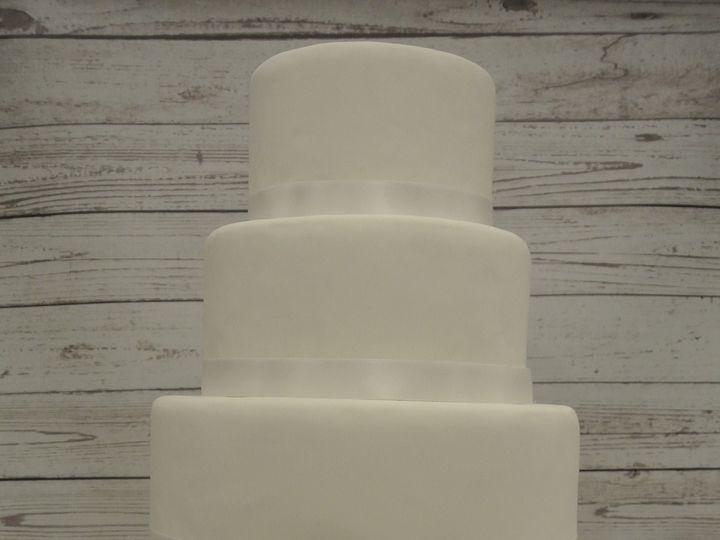 Tmx 1485307632891 Dsc7325 Middle Village, New York wedding cake