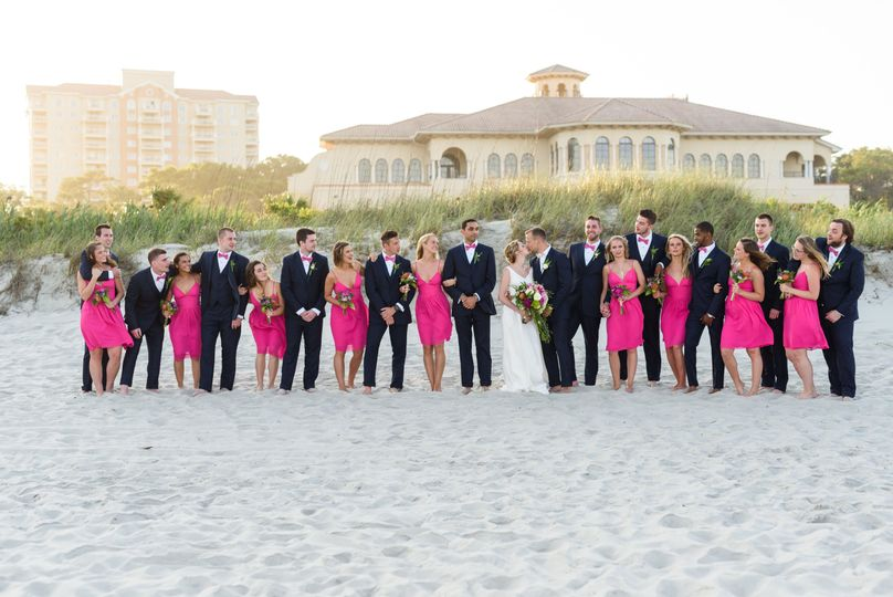 We love bridal parties of all sizes!