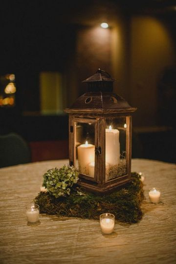 Simple lantern centerpiece