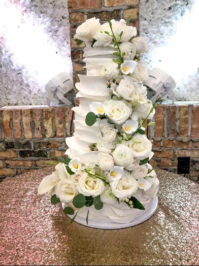 Real flower & fondant cake