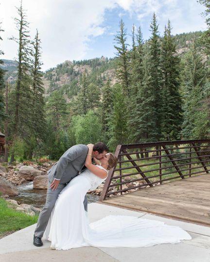 cdd544612b191d85 1520368332 cc0f25488b8e3c61 1520368131281 2 Colorado Wedding P