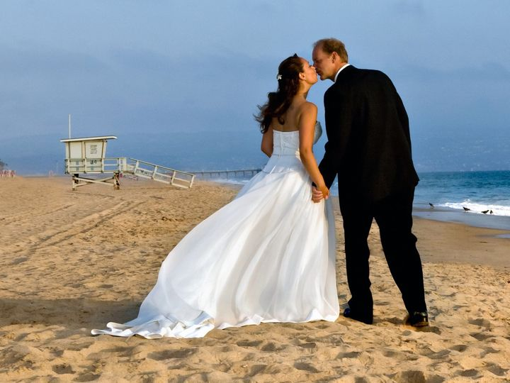Tmx 1419015485033 Manhattan Beach Wedding Photographer Kiss Denver wedding photography