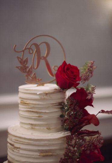 Details of the red and white cake