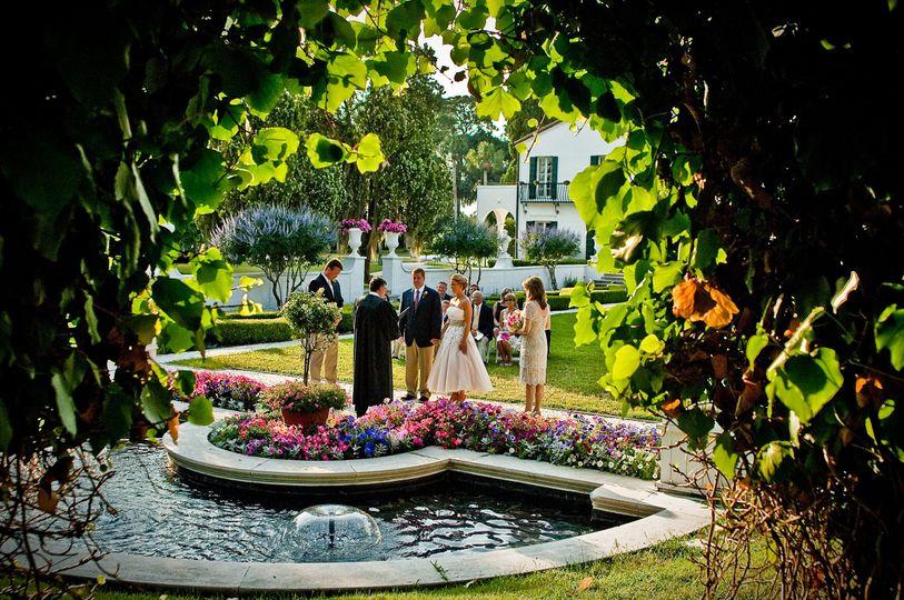 Crane cottage garden ceremony