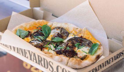 Merkin Vineyards Pizza Wagon