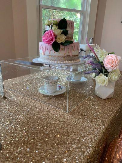 Modern cake box