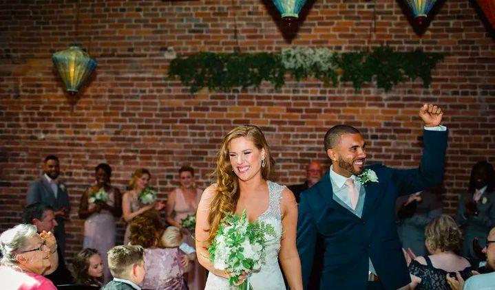 Tmx Screen Shot 2018 10 18 At 10 54 26 Pm 51 1019485 Seattle, Washington wedding beauty