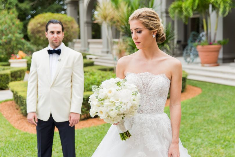 Stunning bride & groom