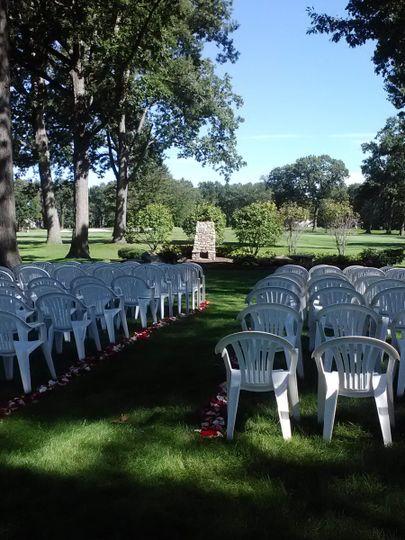 stone oak ceremony petals