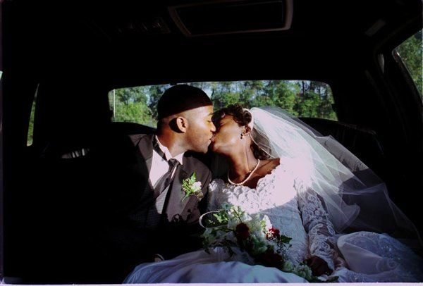 kiss in limo
