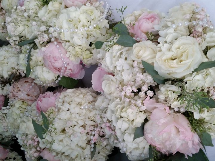 Tmx 1485744431583 20150620092738 Cedar Rapids wedding florist