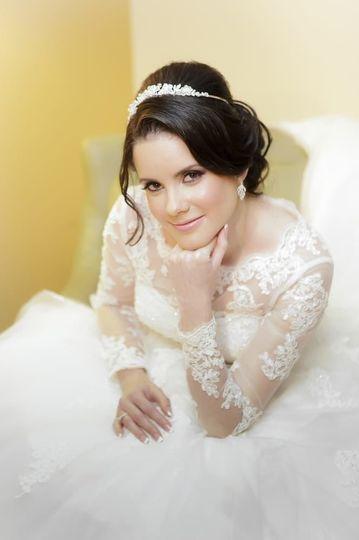 dbba677d601d2fbd 1491880777008 bride
