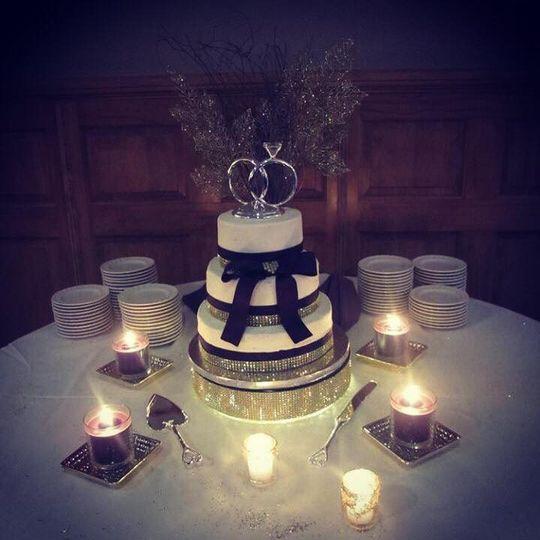 chittenango cakes wedding cake chittenango ny weddingwire. Black Bedroom Furniture Sets. Home Design Ideas