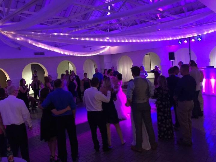 Last dance, surrounded by family and friends, at Pipers @ The Marott