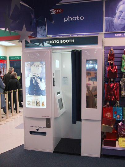 Photobooth enclosure