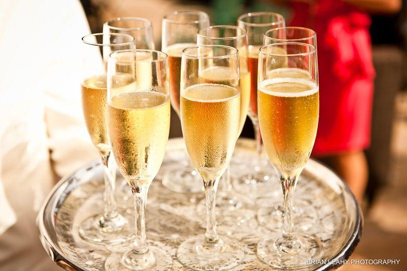 Serve of champange