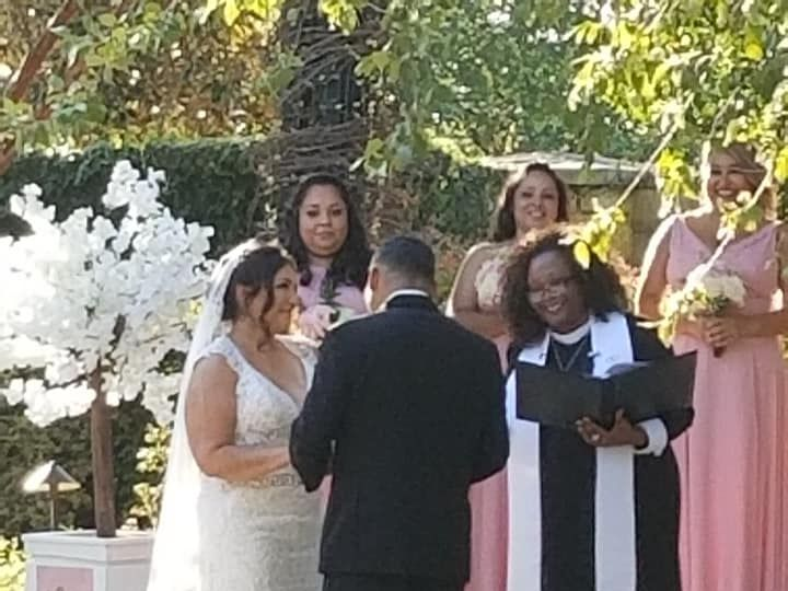 Tmx Smile 51 1895685 159977380820325 Irving, TX wedding officiant