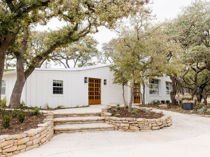 Tmx The Ivory Oak Editorial Carolinelimaphotography 2019 213 51 996685 1559927320 Wimberley, TX wedding venue
