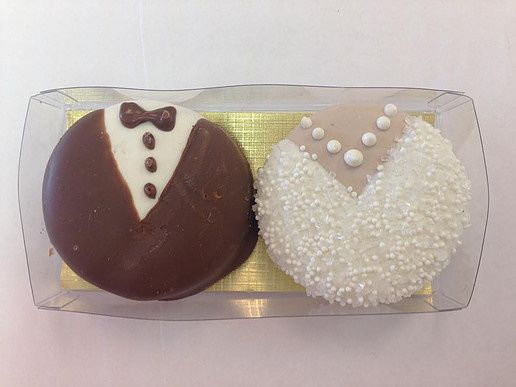Classic Bride and Groom Oreos