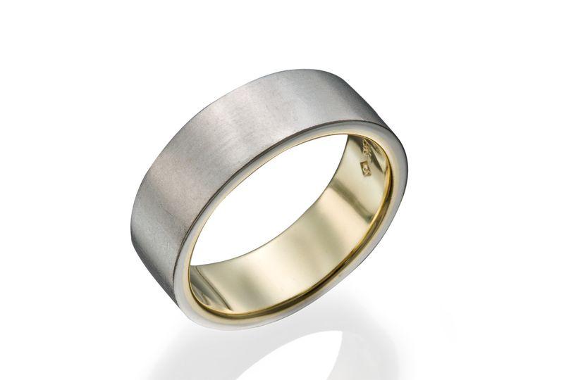 Modern gent's 2 tone wedding band.