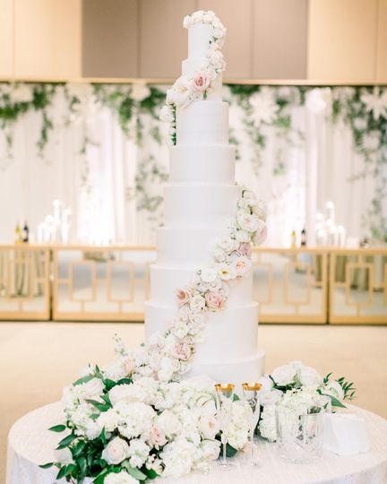 9-tier with floral swag
