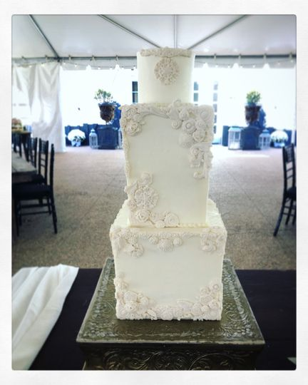 Square cake with fondant