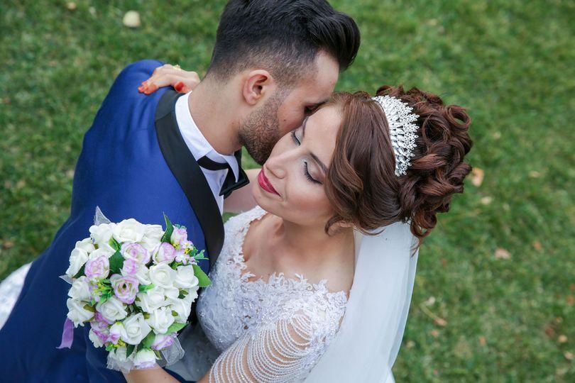 f7f2a70018835112 1526751158 a2f554018a8b751c 1526751151490 1 bouquet bridal bri