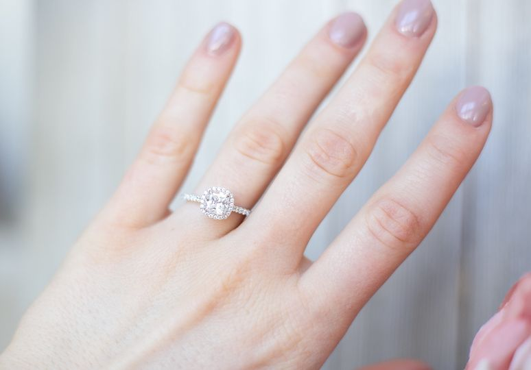 Halo setting in white gold