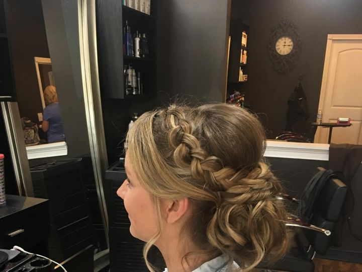 Tmx Img 2325 51 1068785 1559253316 Shepherdsville, KY wedding beauty