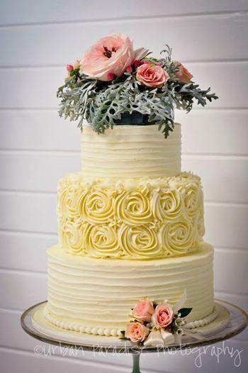 3-tier rose cake