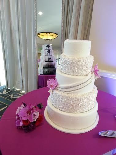 Tmx 1526666600 7dfa40aaa3b4355d 1526666599 7ad9a6fb588440d4 1526666597550 16 Jamie And Josh Ca Ormond Beach wedding cake