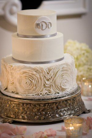 Tmx 1526668300 645c5c3a30c22d62 1526668299 2780e12fd04fbfea 1526668297588 40 My Wedding Cake W Ormond Beach wedding cake