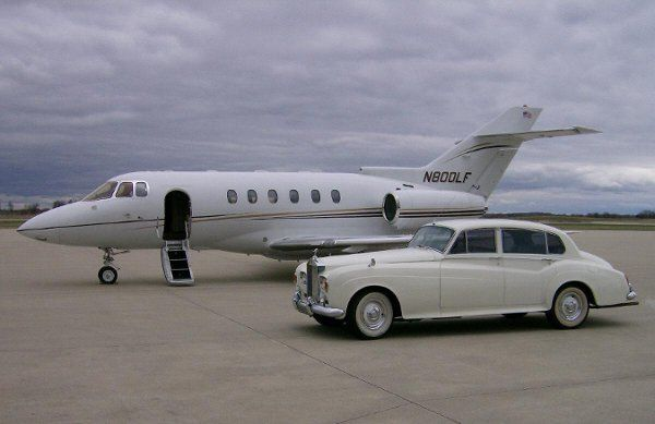 Rolls-Royce Silver Cloud III with Corporate Jet pickup service.