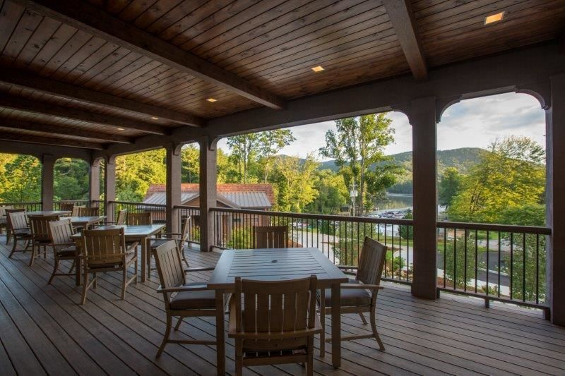 Lakeview porch