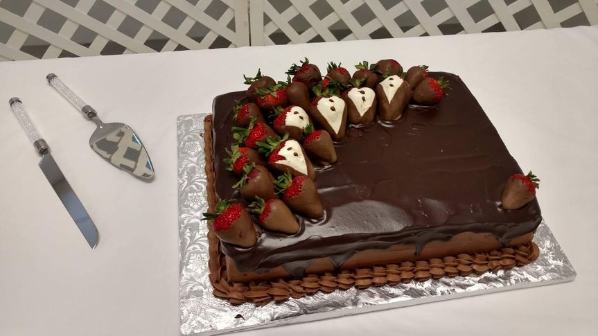 Tuxedo strawberry grooms cake