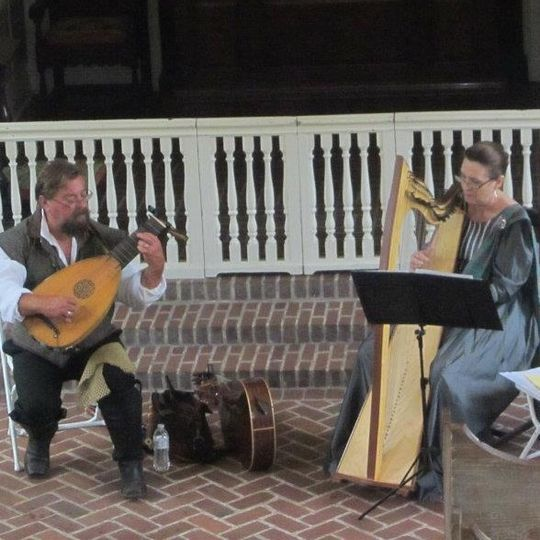 The duo Clanjamfrie (Anne and Chris Kohut on flute/lute/guitar)