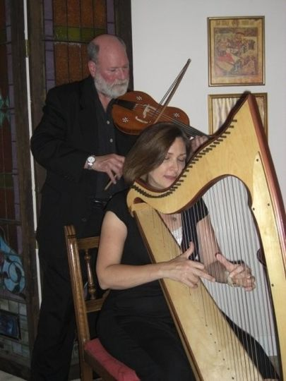 The duo Everyman (Anne and John Hillenbrand)  Harp and violin